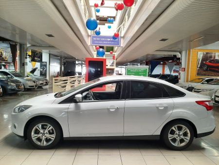 Focus Sedan SE 2.0 16V PowerShift (Aut)