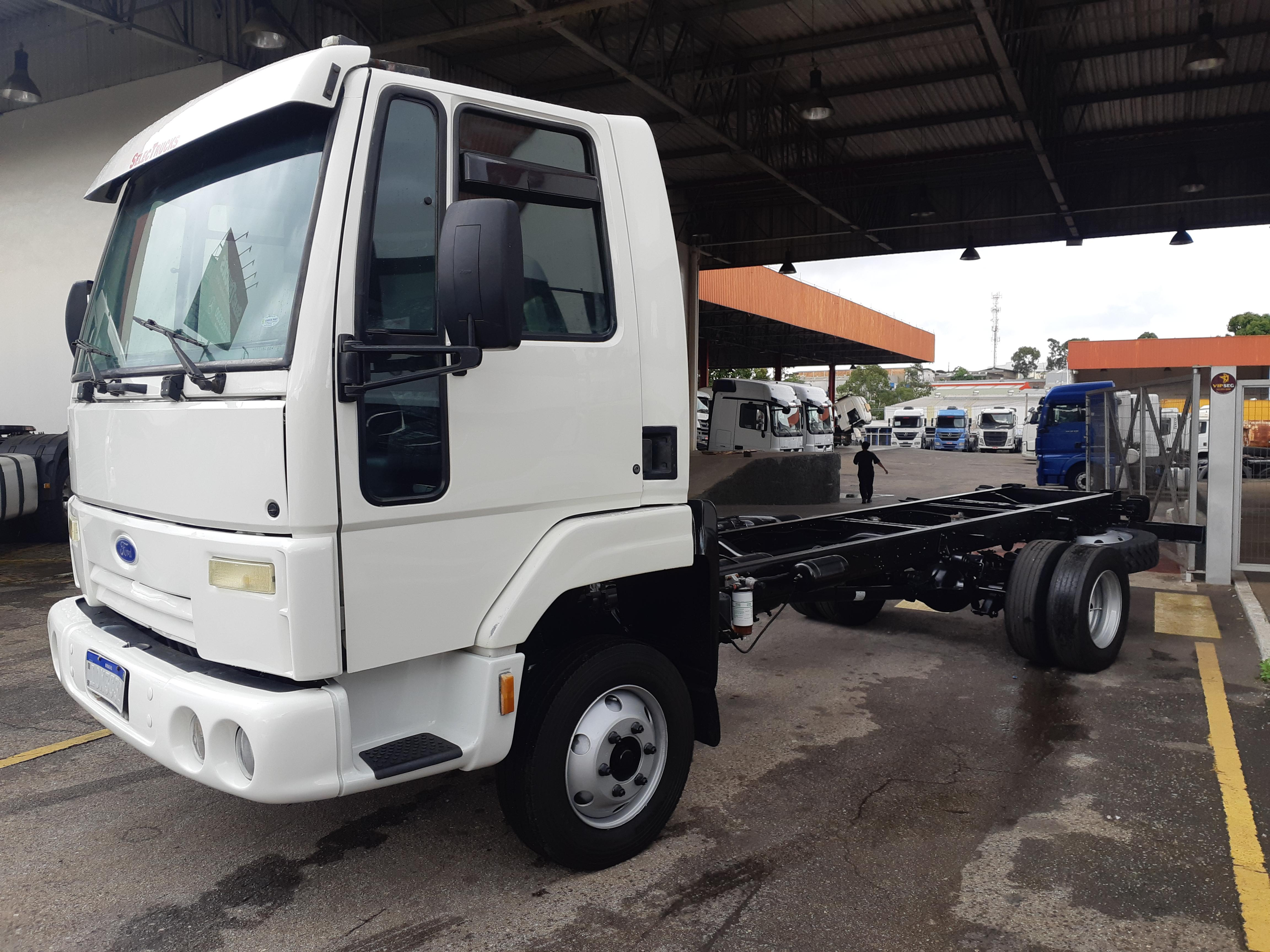 Ford Cargo 815 t