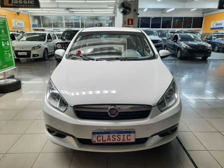 Grand Siena Essence 1.6 16V (Flex)