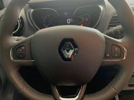 Captur Intense 1.6 16v SCe CVT (Flex)