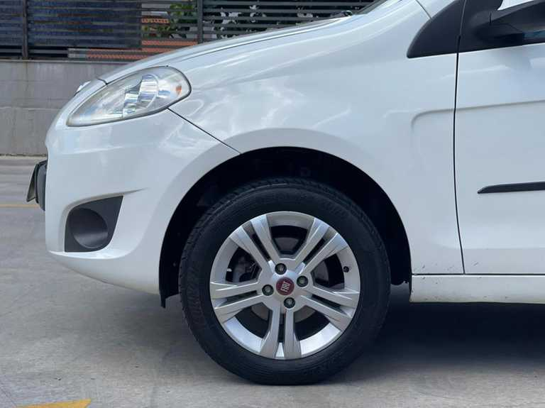 Fiat Palio Attractive 1.4 8V (Flex) 2013