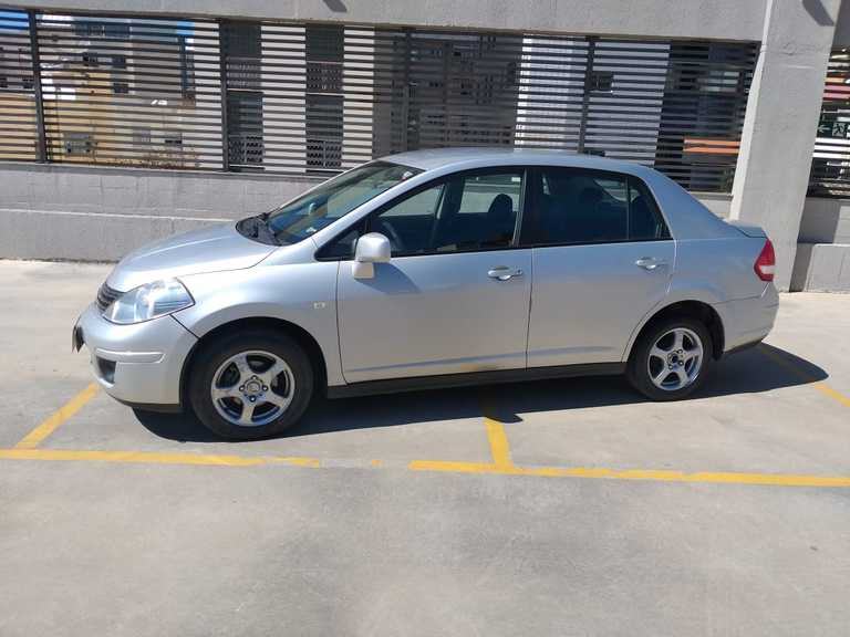 Nissan Tiida Sedan 1.8 16V (Flex) 2012