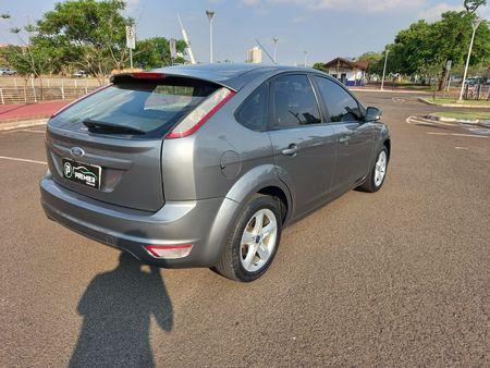 Focus Hatch GLX 1.6 16V (Flex)